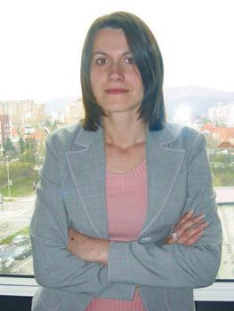 Valentina Lozar, socialna delavka in kriminalistka, višja svetovalka Javne agencije RS za podjetništvo in tuje investicije