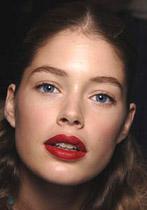 Trendi ličenja jesen/zima 2005 rdeče ustnice