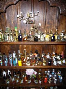 perfume_closet