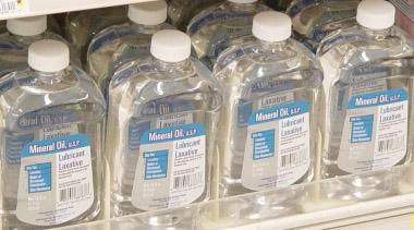 mineralno olje je ena najbolj čistih in neškodljivih kozmetičnih sestavin